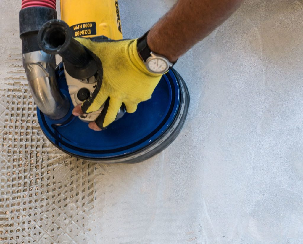 Dust Free Tile Removal